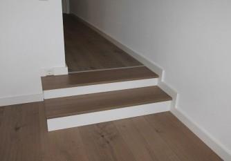 Treppenstufen Bodenbelag Holz